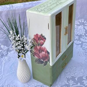 Green and White Floral Vintage Jewelry Box